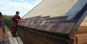Гибкую черепицу или металлочерепицу лучше выбирать для крыши