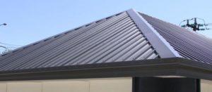 Как крепить профнастил на крыше с помощью саморезов
