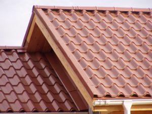 Какие бывают виды металлочерепицы для крыши
