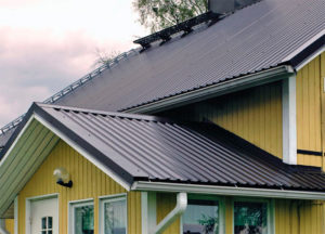Какой вид профнастила лучше выбрать для крыши дома