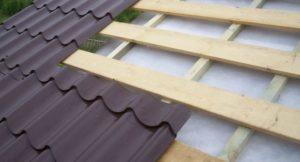 Правильный монтаж металлочерепицы на крыше своими руками