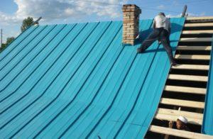 Как и чем лучше заделать трубу на крыше из профнастила