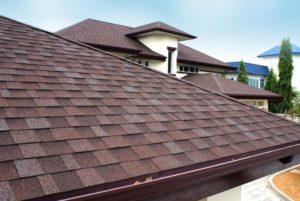 Чем лучше покрыть крышу дома недорого и качественно