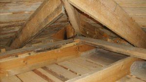Пошаговое утепление потолка в бане с холодной крышей своими руками